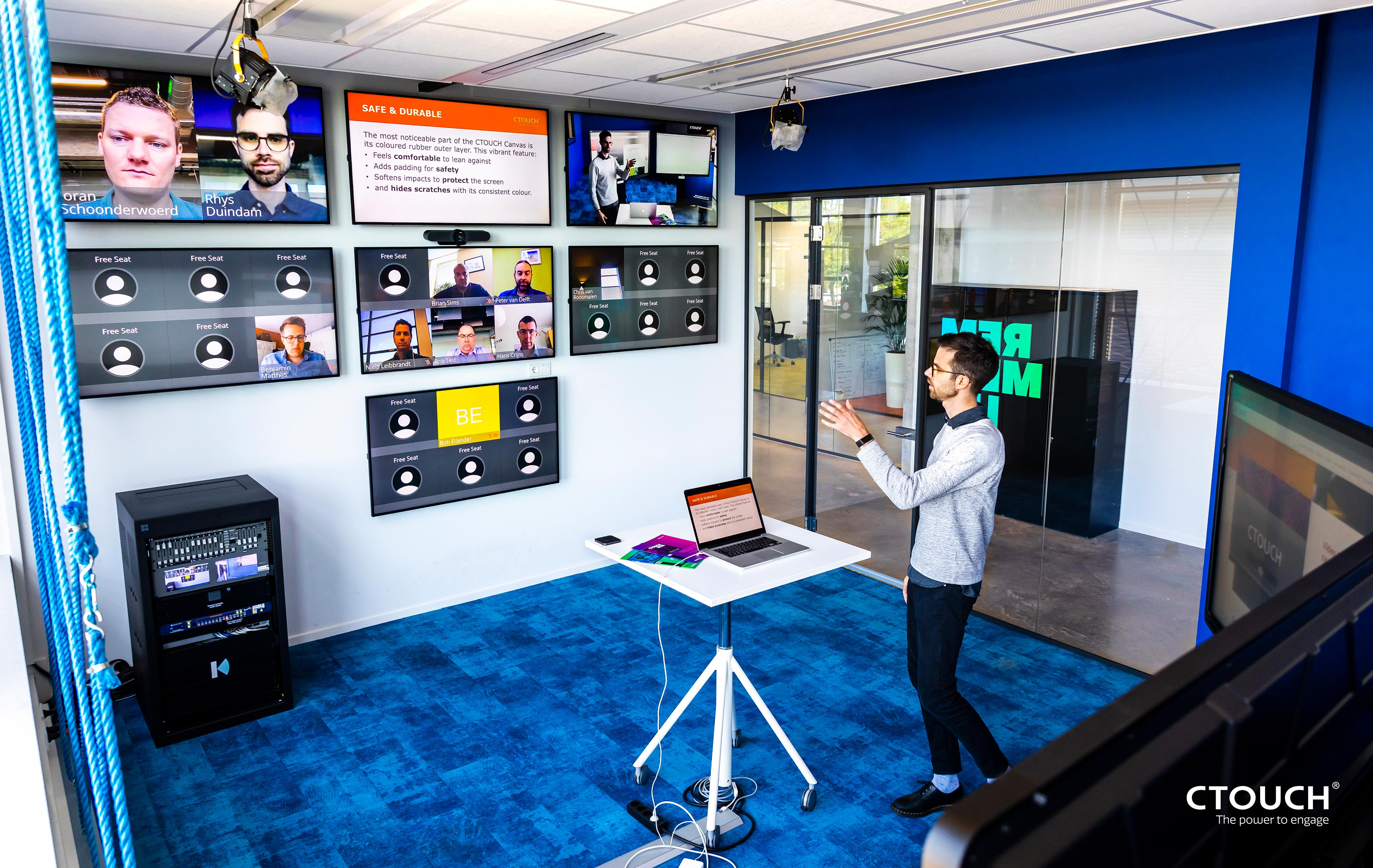 CTOUCH bouwt unieke virtual classroom met Barco en Kinly